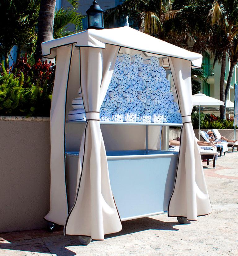 UM-TWV - Towel Valet With Decorative Curtains-1053